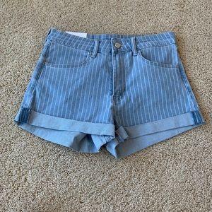 NWT H&M Light Wash Pinstripe Jean Shorts